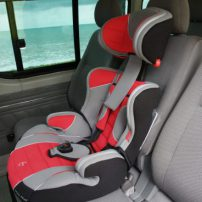 Child safety seat in minibus transfer