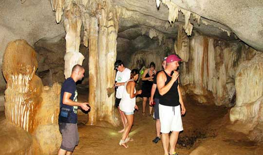 Exploring the caves of Hong Island Phang Nga bay Day Tour