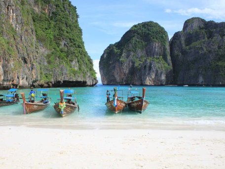 Maya Bay with longtailboats