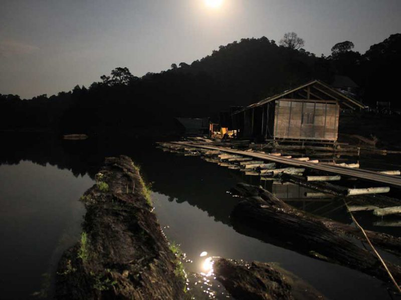 cheow Lan Lake at night
