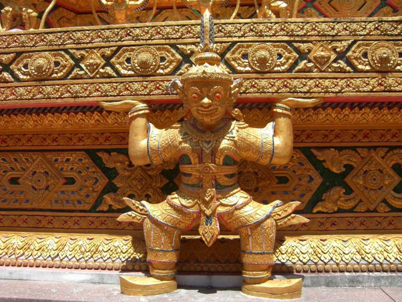 Khaolak Amazing Three Temples Golden Statue