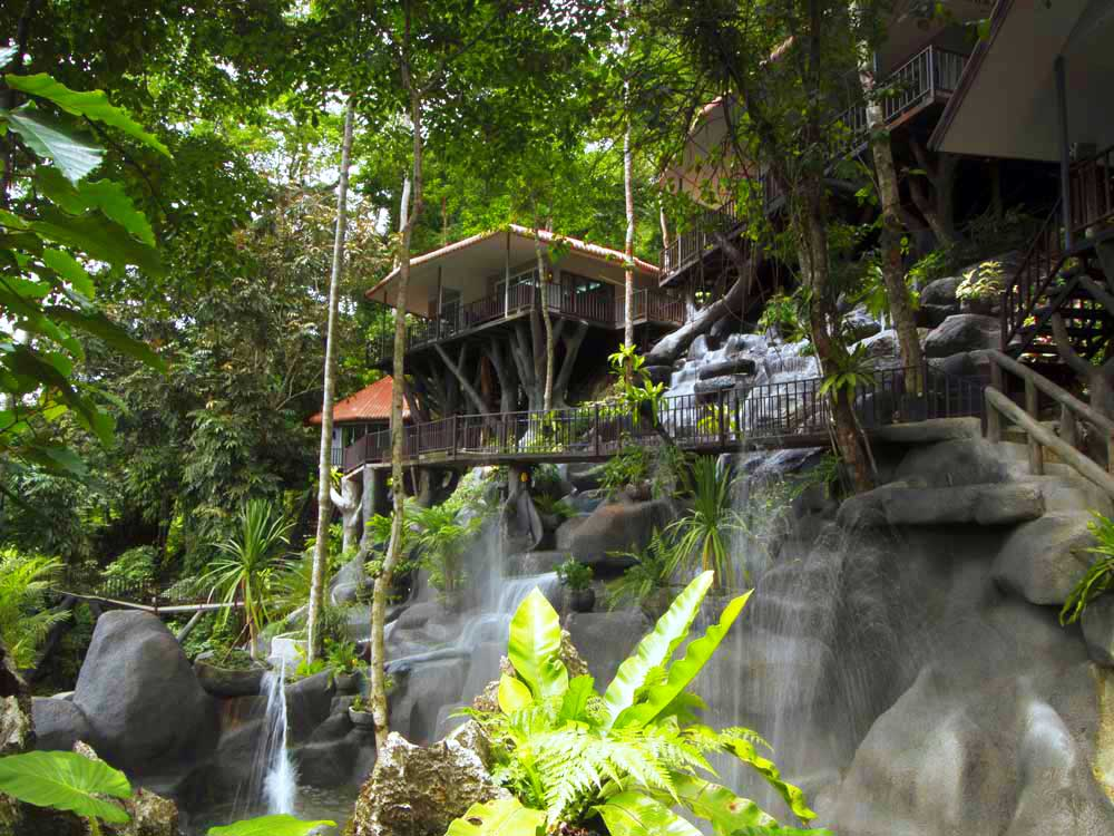 Khao Sok<br /> 2 Days Treehouse<br /> <em>Variety and comfort in the rainforest</em>